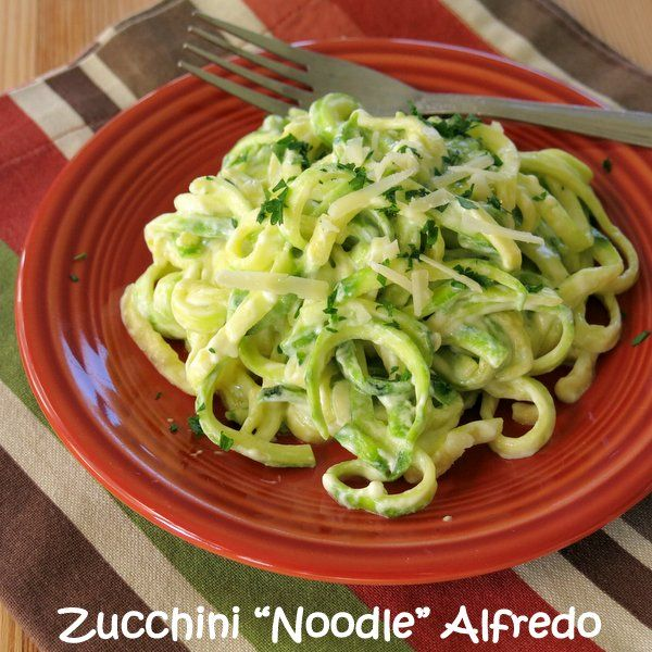 Zucchini Noodle Alfredo - Just 5 Ingredients and it's low-carb, gluten-free, easy to make and very, very tasty! By @DinnerMom