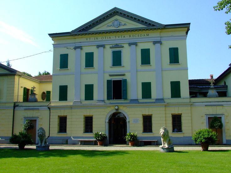 Villa Nicolaj a Crespellano (BO). Info: http://bit.ly/16GvyLB