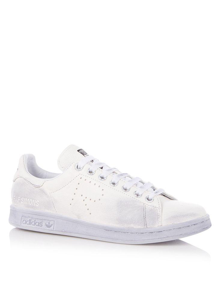 Stan Smith Aged sneaker van adidas by Raf Simons. De Stan Smith in een nieuw