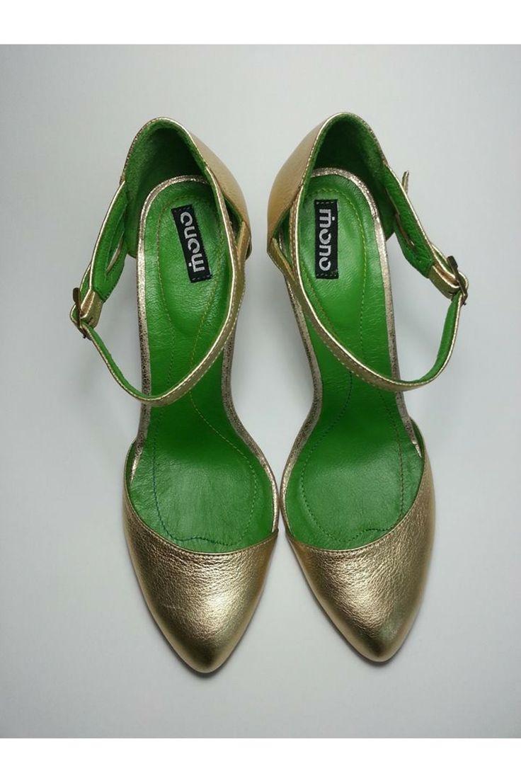 3 modele de pantofi online glamorous cu toc care n-ar trebui sa lipseasca din garderoba ta Dulapul pentru pantofi al oricarei femei este neincapator. Fie ca vorbim de pantofi cumparati dintr-un magazin, de pantofi online, achizitionati de pe internet, ori de pantofii gasiti la pret redus, acestia toti isi gasesc …