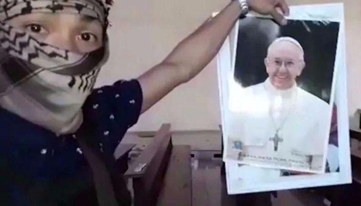 VIDEO: Alerta máxima en el Vaticano: El Estado Islámico amenazó al papa Francisco: En un video grabado por una facción del grupo terrorista…