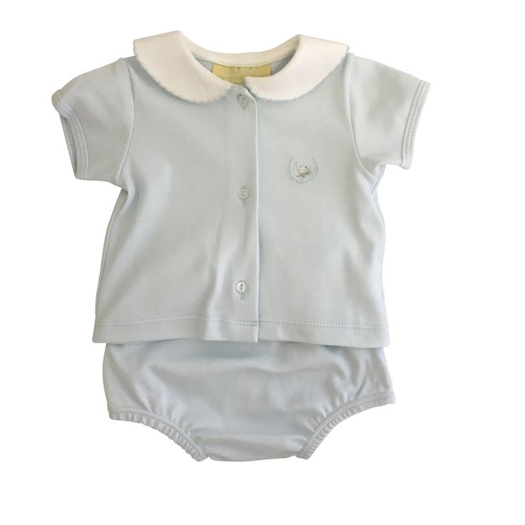 We adore this summer layette classic. Available in sizes 3m, 6m, 9m, 12m, 18m and 24. This item will ship on or before January 15.