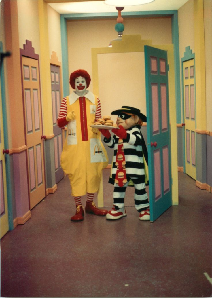 """Cheeseburgers To Go, Again!"" 1988.  With Ronald McDonald and Hamburglar.  McDonaldland.  https://www.facebook.com/FilmingInMcDonaldland/"