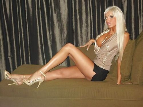 Perfect fake tits blonde-8060