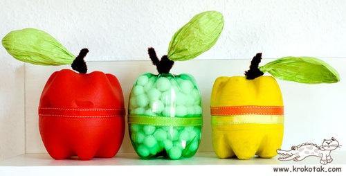 Appeltjes gemaakt van flessen