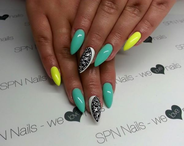 SPN UV LaQ 624 & 529.  Nails by Karolina, SPN Team Austria