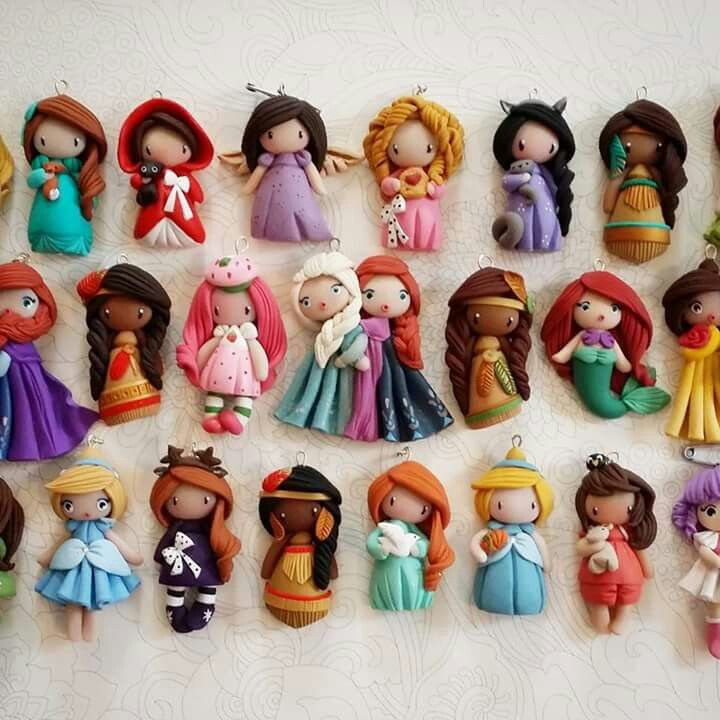 Precious Moments-like Disney princesses out of polymer. Interesting. Madame Manon                                                                                                                                                                                 Más