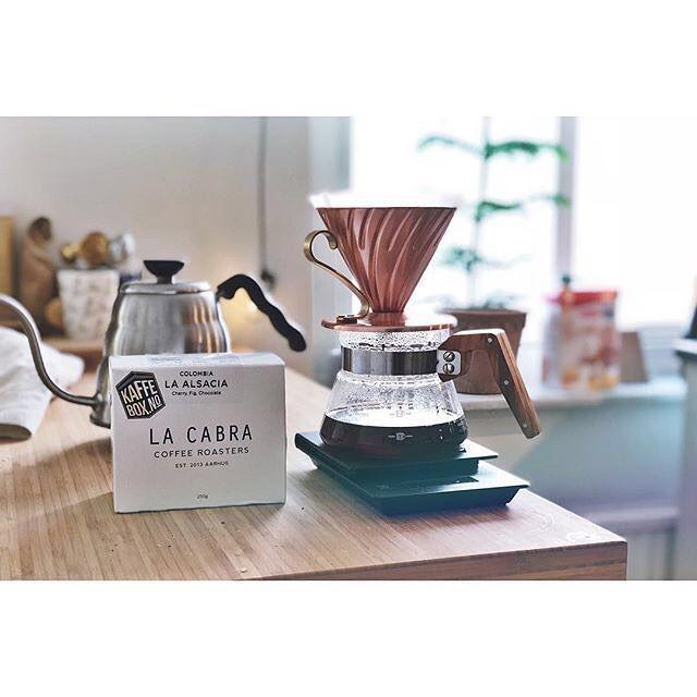 Great set-up  # @engodporter   == KaffeBox Member Post == Morgonkaffet kommer från #lacabra underbart gott!  #kaffebox    #KaffeBox #speciatlycoffee #spesialkaffe #thirdwavecoffee #coffee #kaffe #coffeesubscription #coffeetime #coffeelover #kaffepause #kaffeeliebe #pouroverbrew  #coffee_inst #butfirstcoffee #coffeeaddict #manualbrew #coffeegram  #blackcoffee #blackcoffeeonly #coffeetime #coffeelife  #coffeeshots #coffeeaddict
