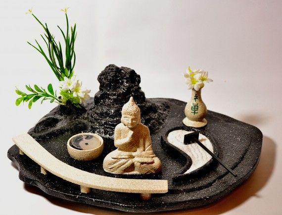 Jardines Zen- colocar jardines zen que represente los 5 elementos (agua, madera, fuego, tierra y metal) en el centro de la casa, aportará equilibrio. Feng shui