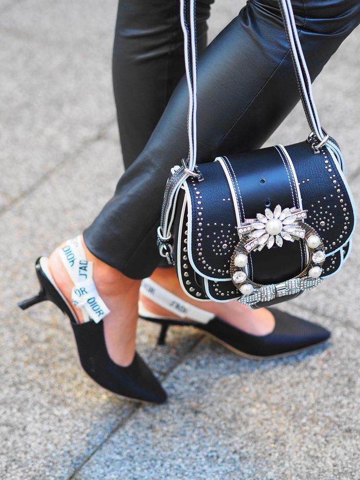Heute zeige ich euch ein elegantes OOTD mit Freddy Wr Up Leggings, Jabotbluse, Dior J´adior Slings und Miu Miu Handtasche und erzähle euch von Black Dahlia