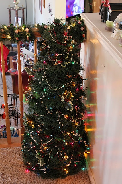 Bear Rabbit Bear Crafts: Christmas in July: Tomato Cage Christmas Tree from Heatherly Loves
