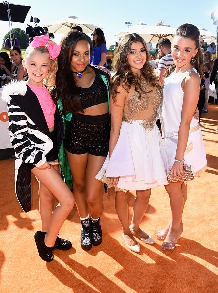 JoJo Siwa, Nia Sioux Frazier, Kalani Hilliker & Kendall Vertes at the 2015 Kids Choice Awards