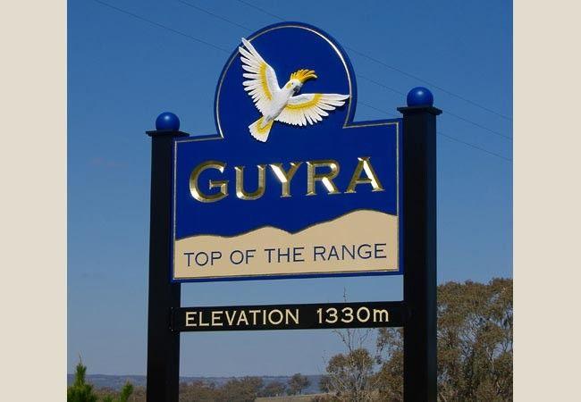 Guyra Town Entrance signs / Danthonia Designs