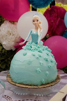 Tarta muñeca Elsa de Frozen6