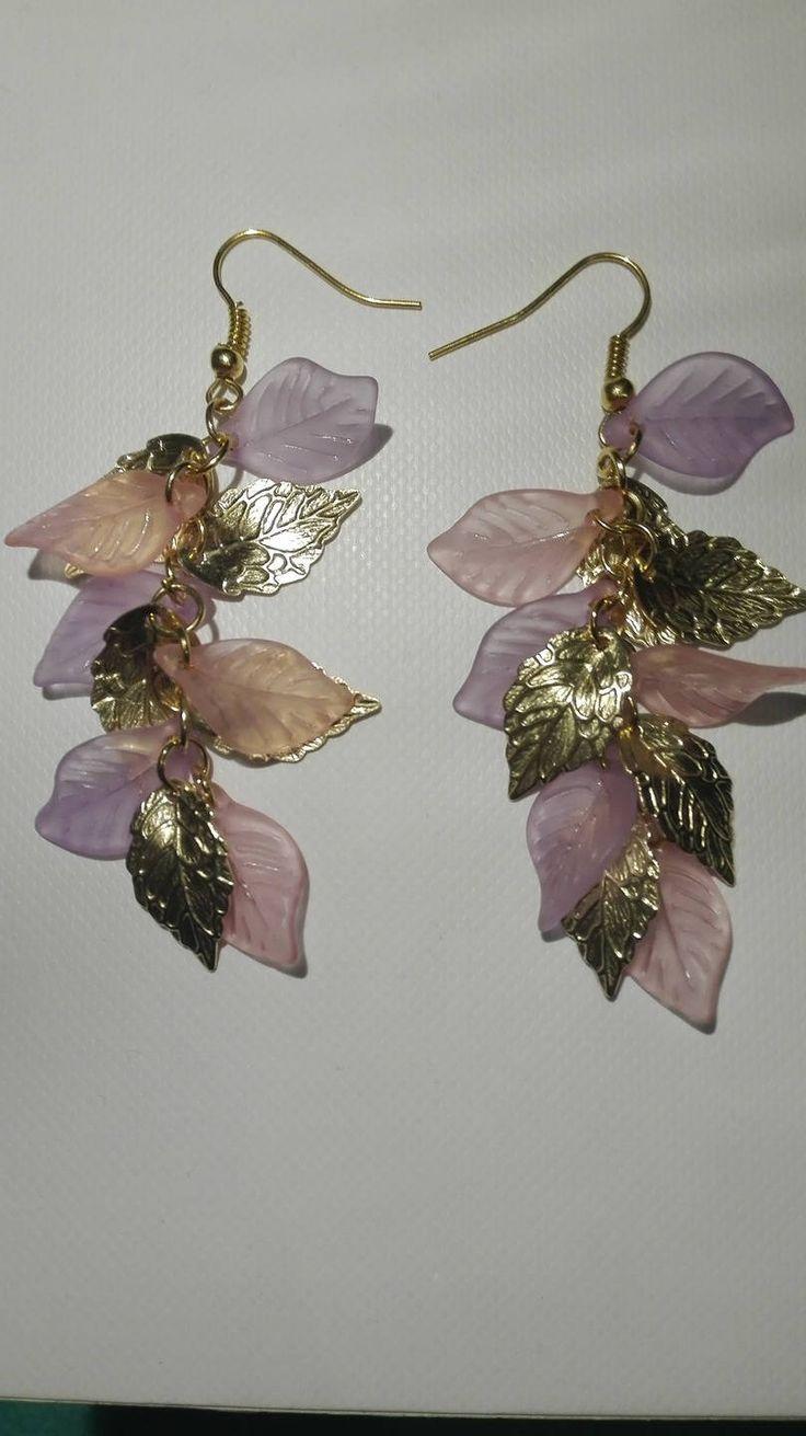 Boucles d'oreilles grappes- perles feuilles roses, violettes, dorées -7.5cm de la boutique DeessesEtNymphes sur Etsy
