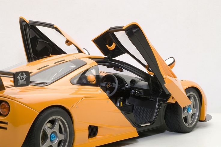 Interior detail on Autoart's brilliant new McLaren F1 LM Edition in 1:18 scale. $295, available now at www.carriagehousemodels.com.