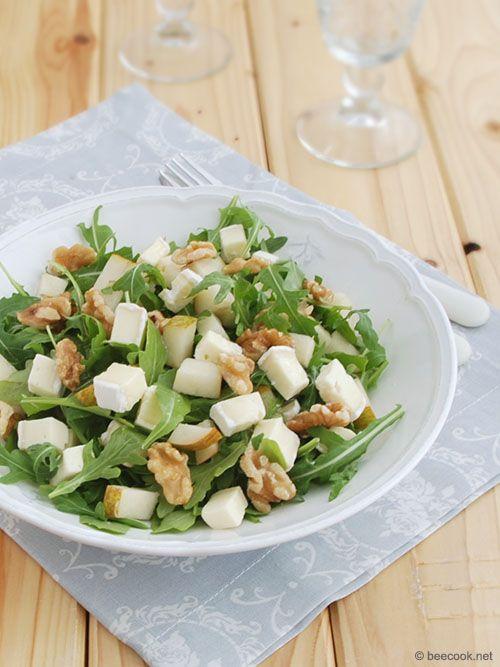 Один из классических салатов, который подается как десерт, или закуска к аперитиву. Он так же хорош как самостоятельное блюдо и часто подается к белому вину.