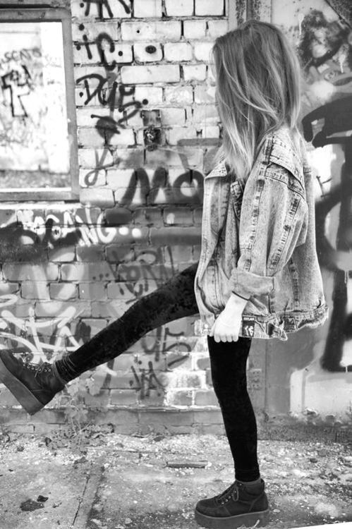 90s, black and white, cool, dark, fashion, girl, graffiti, grunge ...