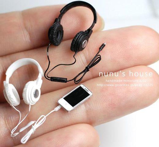 miniature iPhone and headphones
