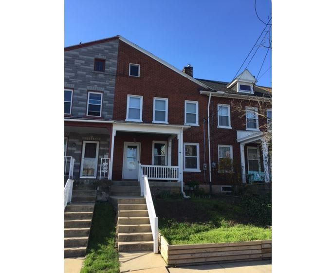 522 E Ross Street, Lancaster~ Updated 3 bdrm with 2-car garage & large yard*New replacement windows*Gas heat*Newer kitchen*Enclosed all season room over patio*NE section of Lancaster City.