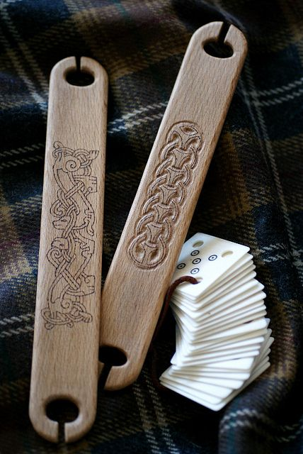 viking_tablet_weaving_tools by Tríona Ní Erc, via Flickr Handcarved wooden weaving shuttles