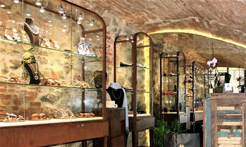 Jewelry Shoes Boutique #delbrenna #jewerlyshoes #shoes #scarpe #scarpegioiello #jewelry #jewels #boutique #обувь #ювелирныеизделия  #бутик