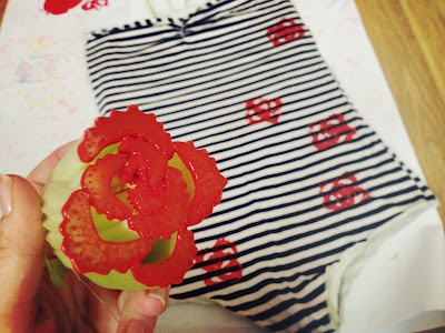 DIY Rose stamp with celery! COOLLLL