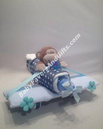 Airplane Diaper Cake #airplane #babyshowergifts #diapercake
