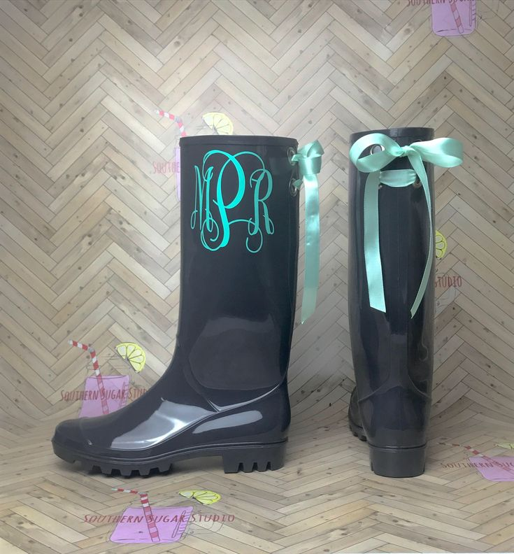 Personalized Rubber Rain boots with bows, Rainboots, Monogram, Rubber Rain Boots, Boots, Mud Boots, Personalized Mud Boots by SouthernSugarStudio on Etsy https://www.etsy.com/listing/523798465/personalized-rubber-rain-boots-with-bows