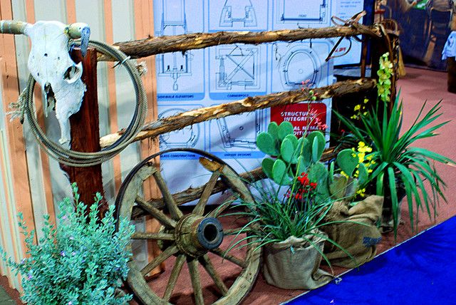 WESTERN PROPS - TEXAS PROPS - TRADE SHOW BOOTH - PROP MASTER, ARTIFICIAL HAY BALES - PROP RENTALS - CONVENTION - SAN ANTONIO - AUSTIN - HOUSTON - DALLAS - FORT WORTH - MCKINNEY - DENTON - FRISCO - SOUTHLAKE - COLLEYVILLE - GRAPEVINE - THE REAL DEAL