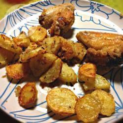 Foto della ricetta: Ali di pollo impanate con patate al forno