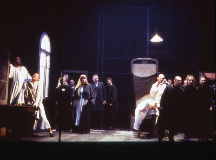 Les Frères Karamazov FEDOR DOSTOÏEVSKI - KRYSTIAN LUPA © Max Hureau 2000