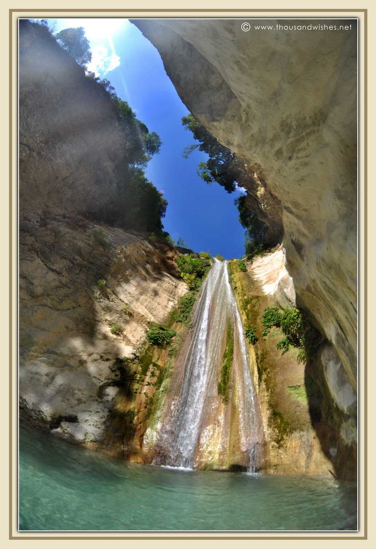 Nidri waterfall, Lefkada http://www.thousandwishes.net/wp-content/uploads/2013/10/20_nidri_waterfall.jpg