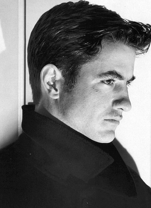 "Another Irish-American hottie, Dermot Mulroney. I accidentally pinned this to my ""Things To Do"" board....think I'll leave it there."