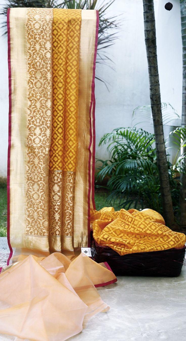 Lakshmi Handwoven Banarasi Kora Silk Sari 1000097 - Saris / Banarasi - Parisera