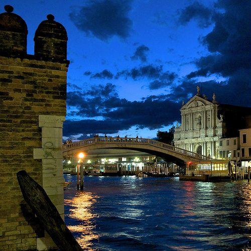 Dusk, Venice, Italy photo via trinita