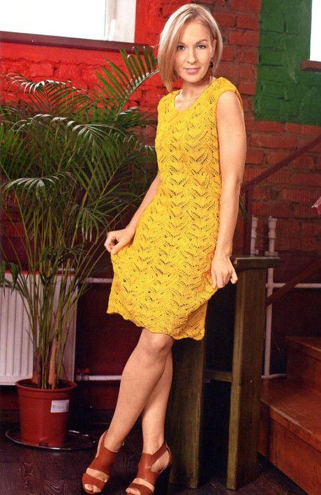 Ажурное платье спицами из хлопка