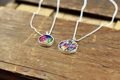 Wow.    How to make your own resin jewelry via lilblueboo.com