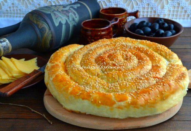 Спиральный пирог из слоеного теста с вкусной начинкой - Vypechka.Perchinka-kHozyayushka.ru