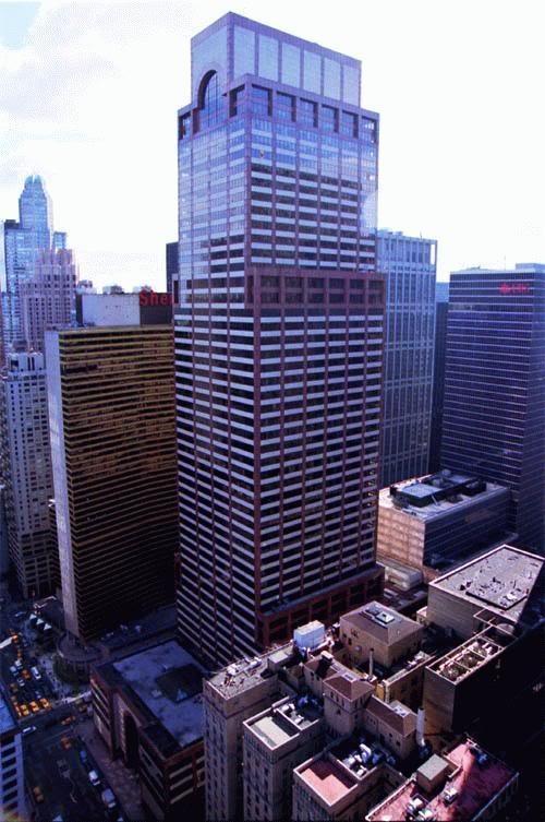 #48) AXA Equitable Center (787 7th Ave) | 229m | 752 ft | 51 fl | Edward Larrabee Barnes | 1985