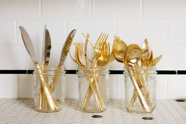Cutlery in a mason jar...can't beat that.
