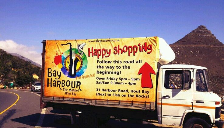 What a beaut day! Come on down for some Sunday happiness...fun shopping, fun food, fun music...and fun peeps! pic.twitter.com/4QbYT6rutv