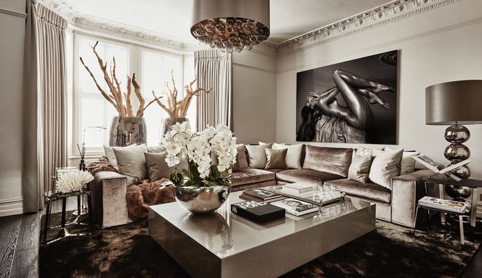 Eric Kuster's is a Dutch interior designer who owns the label under the marque of Metropolitan Luxury with interior design ideas that inspire every professional of the area.