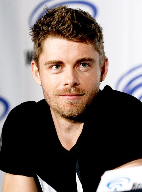 Luke Mitchell - Lincoln Campbell: Agents of Shield