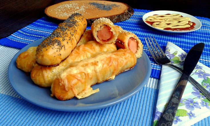 Retete culinare : Rulouri hot-dog, Reteta postata de Pungasa_Rogue in categoria Aperitive / Garnituri