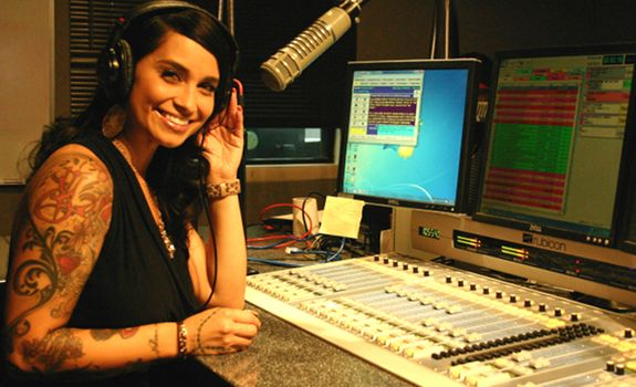 www.radioiloveit.com  Radio listeners needs during prime time hours.   | Jackie Morales, radio personality of 101.5 jamz, during her show on the Phoenix radio station (photo: Nicki Escudero)