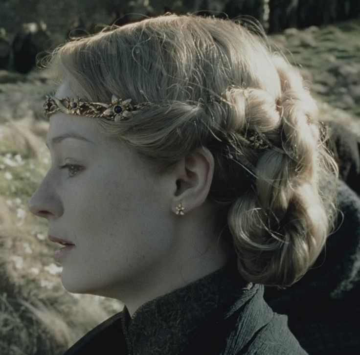Eowyn | Lady of Rohan | Funeral hairdo | Lord Of The Rings | Two Towers (Jackson 2002)