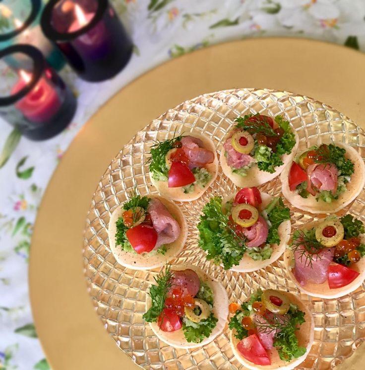 もとぱんさんのFinger food ブリニ #snapdish #foodstagram #instafood #food #homemade #cooking #japanesefood #料理 #手料理 #ごはん #おうちごはん #テーブルコーディネート #器 #お洒落 #ていねいな暮らし #暮らし #Fingerfood #ブリニ #おつまみ #家バル #ワイン #wine #beer #ビール #パーティー #クリスマス https://snapdish.co/d/rLXara