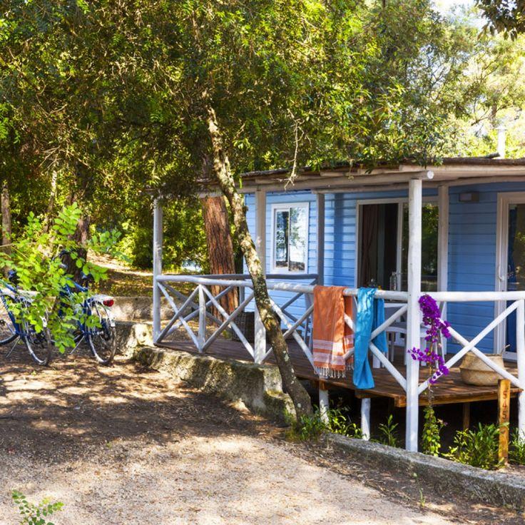 Stacaravan in Toscane aan zee: bungalow op de camping in Marina di Castagneto Carducci