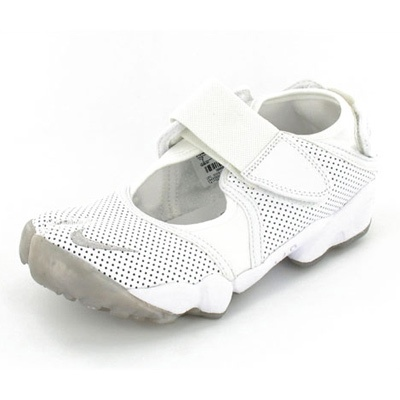 new style 60cfe 3ef61 Nike Air Rift (Ninja) leather White   Touch Me in 2019   Sneakers, Nike air  rift, Leather trainers